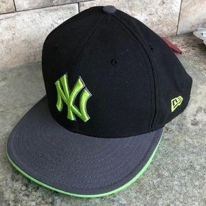 NY Yankees New Era baseball cap. 7 3/8